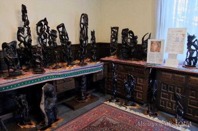 マコンデの黒檀彫刻